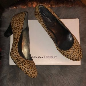 Low heel Leopard Banana Republic heels